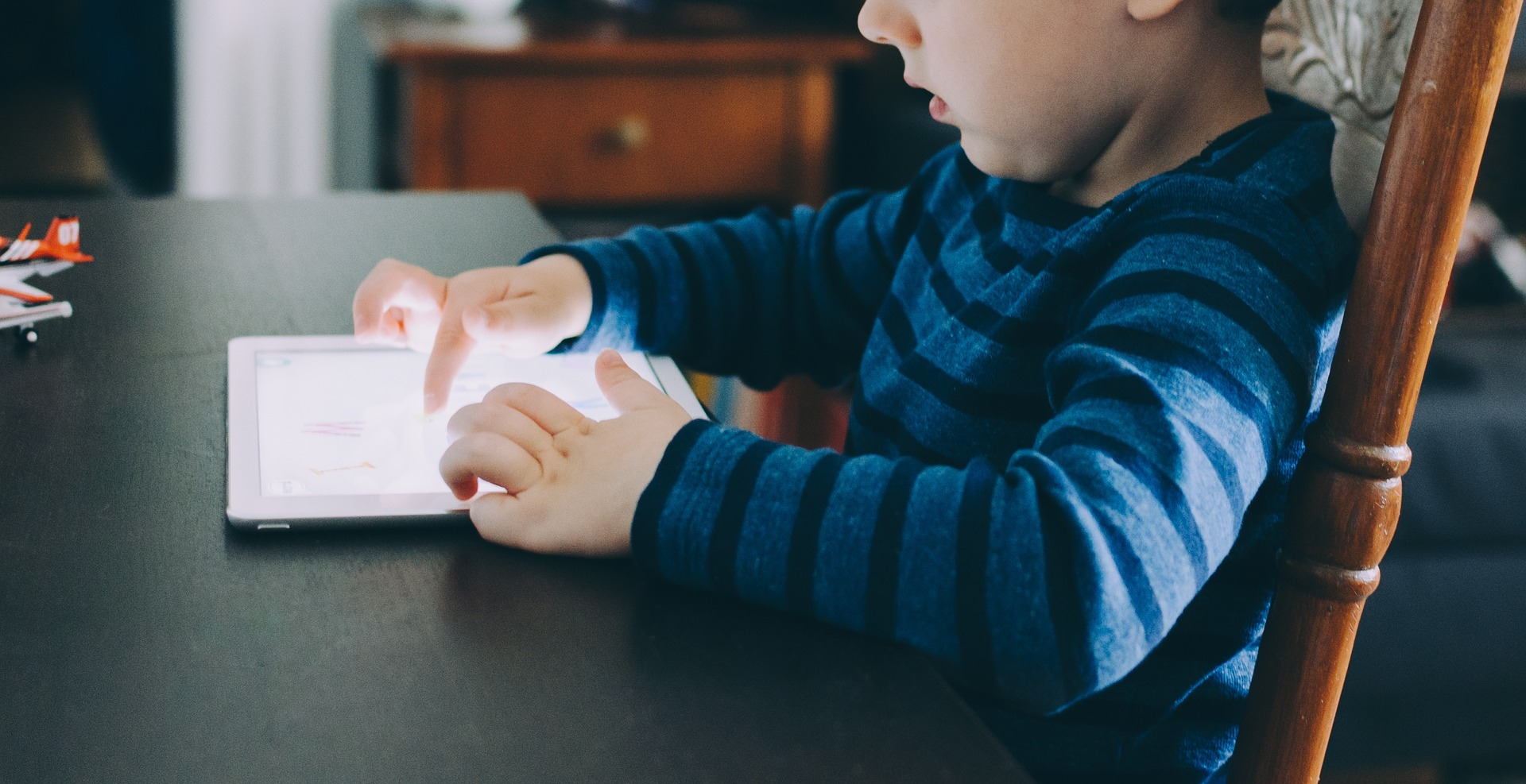 Ready to stop the screen-time fight with your kids? Try this.